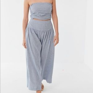 Urban outfitters Noah cut out sleeveless jumper S